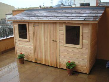 Caseta de madera tratada