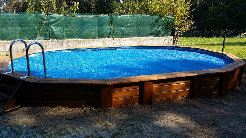 piscina de madera tratada